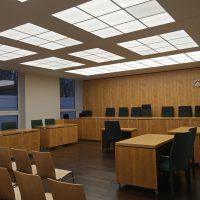 Decke in Akustikbau im Oberverwaltungsgericht Münster