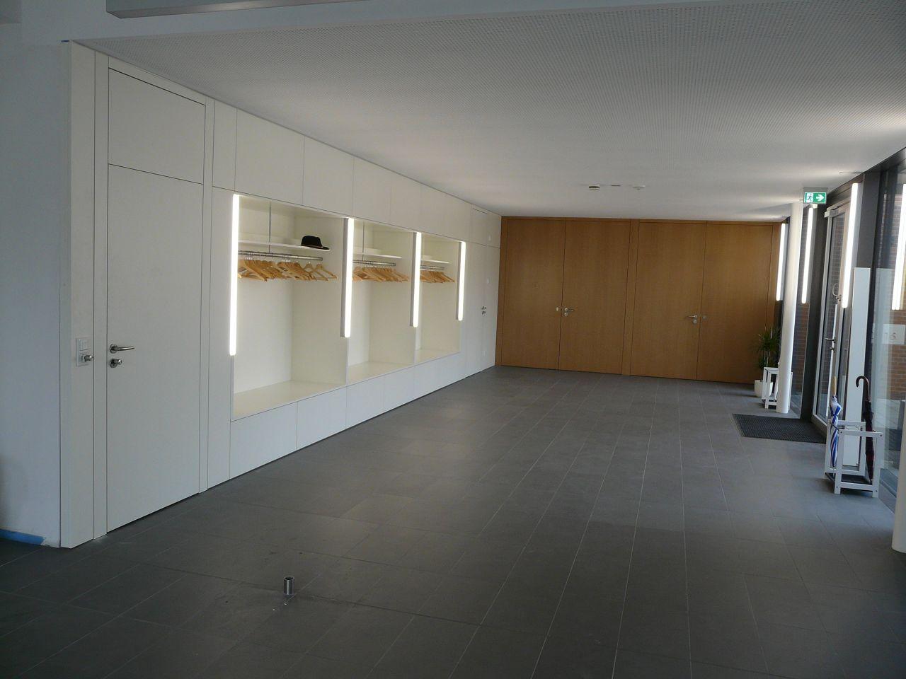 Tischlerei-Baeumer-Altenberge-Pfarrheim-Lengerich-Einbaumoebel-Innentueren_02